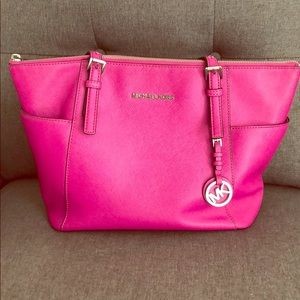 Fushia Michael Kors handbag